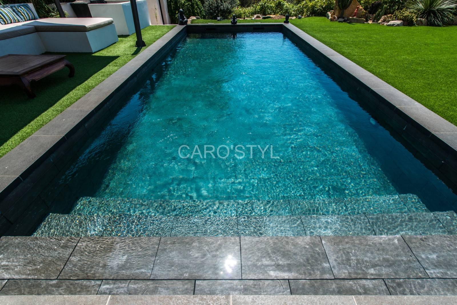 Carrelage pas cher pour piscine en béton enterrée, près de Aix en Provence 13 Bouches du Rhône ...